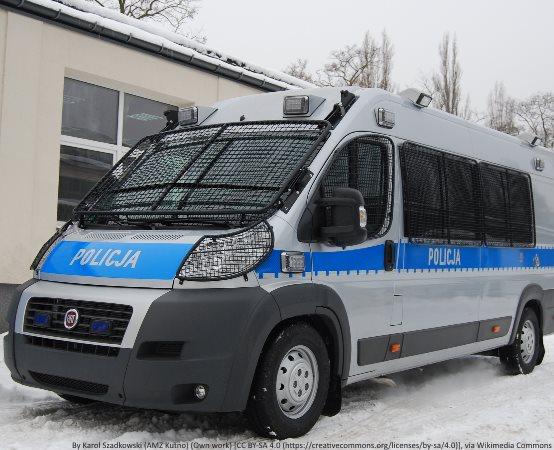 Policja Gorzów Wielkopolski: Kolejny cios w przestępczość samochodową. Policjanci odzyskali kradzione  renault warte 70 tys. zł i zatrzymali podejrzanego