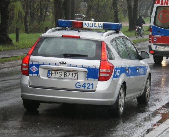 Policja Gorzów Wielkopolski: Policjanci zdjęli mężczyznę z mostu kolejowego. Dwie minuty później przejechał pociąg